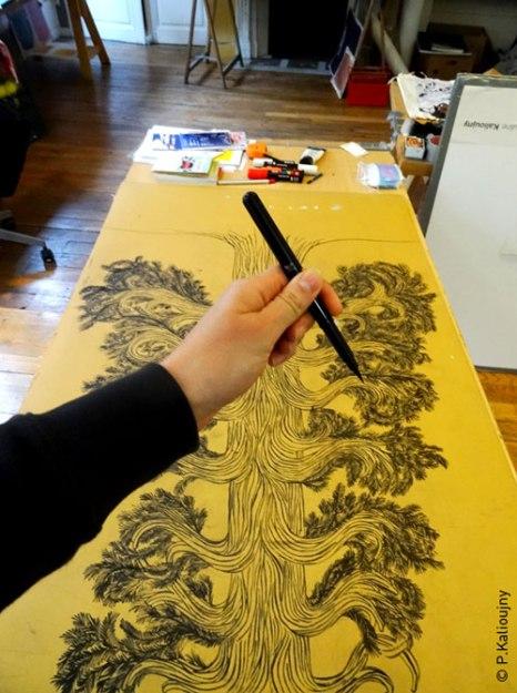 Étape préparatoire. Grande gravure d'arbre.