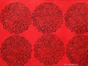 Dahlias Rouges. Estampes sur papier précieux Népalais. Environ 56 x 76 cm (disponible à la vente)