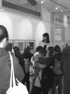 Visite de l'exposition avec les enfants. © M;T Durand – à Troyes.