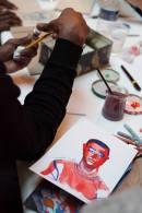 Les ateliers : C'est parti!! Avec le groupe des mineurs isolés accompagnés par la TIMMY, des familles réfugiées et parisiennes. Atelier portraits, ici réalisé par Anne Rouquette Crédit photo : Myriam Drosne – avec Catherine Larré, Espérance SP et Anne Rouquette à La Rotonde Stalingrad.