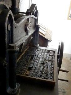 L'une des magnifiques presses des Imprimeries Réunies de Moulins sur Allier. Avec des lettres en bois. Un lieu d'exception à visiter si vous passez dans le coin.
