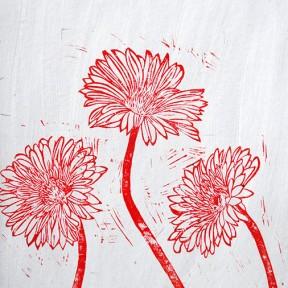 Trois fleurs rouges
